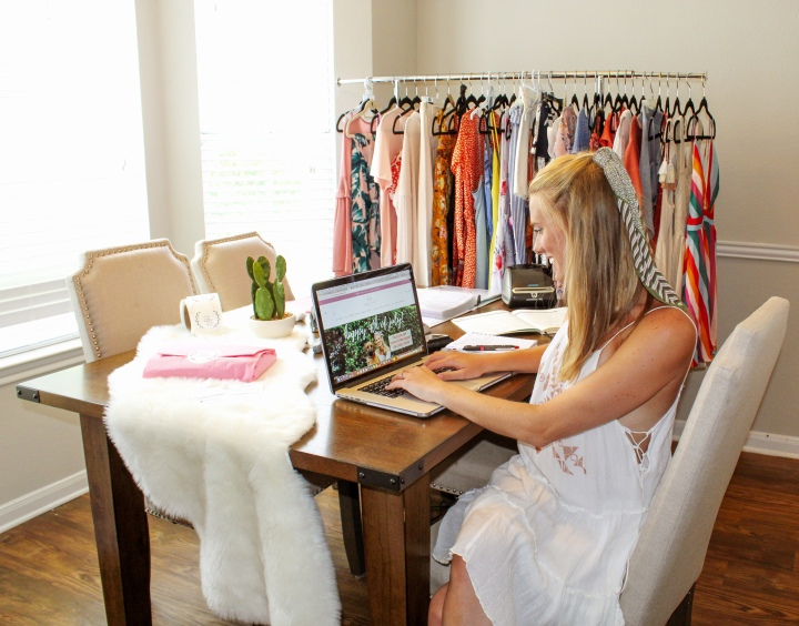 How to Start an Online Boutique (Step-by-Step Guide)